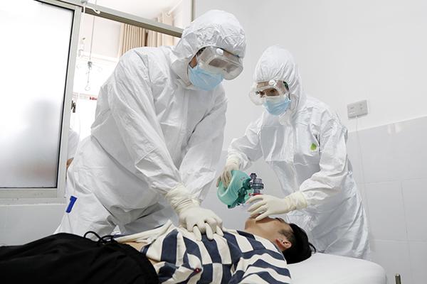 恩施市中心医院开展不明原因肺炎